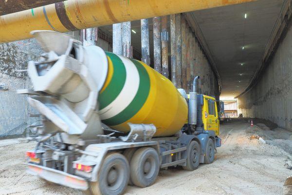 Tunneltransport onder wanden-dak - Reen van Beek.jpg