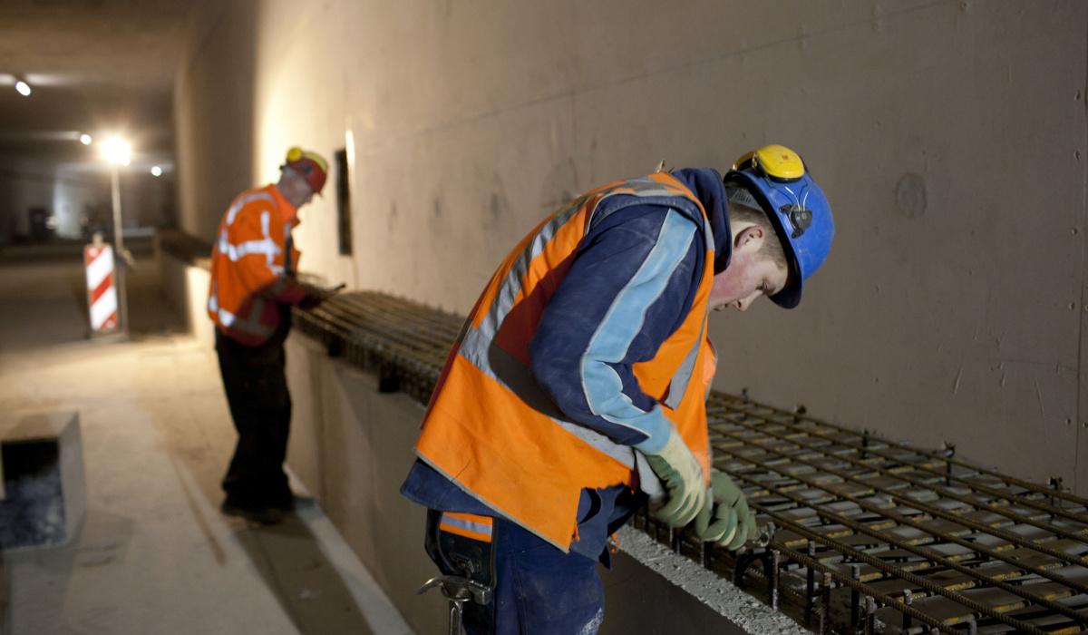 Werkzaamheden aan de barriers in de Koning Willem-Alexandertunnel. © Bert Janssen