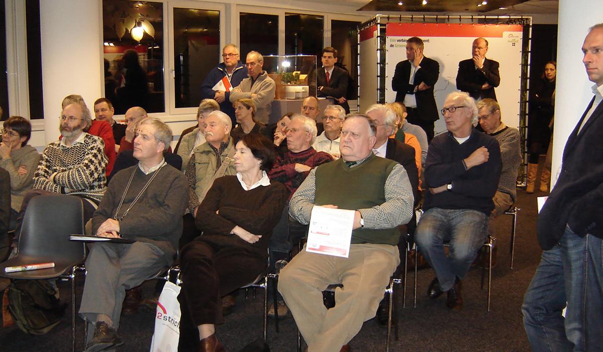 Tijdens de extra consultatieronde (eind 2008 - begin 2009) kon iedereen de drie plannen in het Informatiecentrum bekijken en erop reageren.