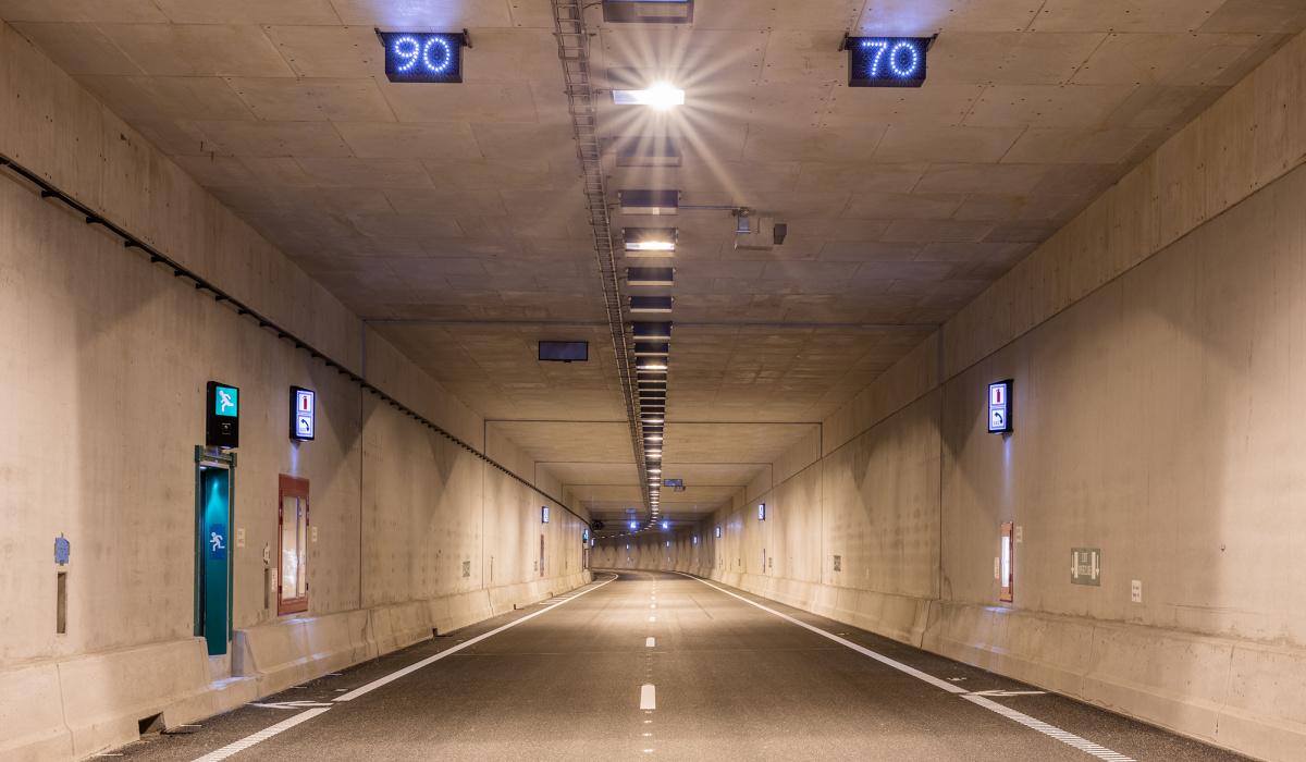 Diverse installaties in de Koning Willem-Alexandertunnel. © Fred Berghmans