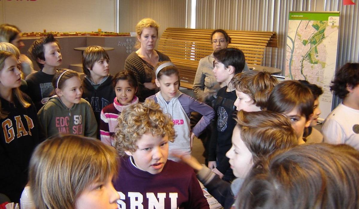Ook basisschoolkinderen bezoeken het Infocentrum. © Archief Projectbureau A2 Maastricht