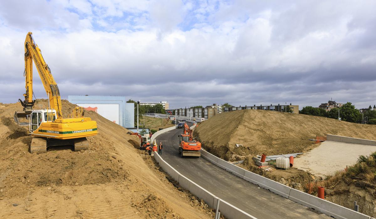 Afbouw van wegen rondom Geusselt. © Fred Berghmans