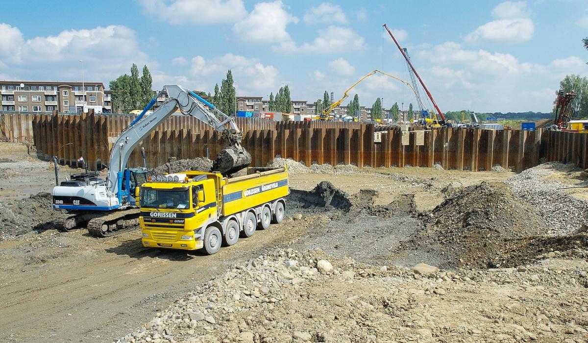 Eerste graafwerkzaamheden tunnelbouwkuip. © Reen van Beek