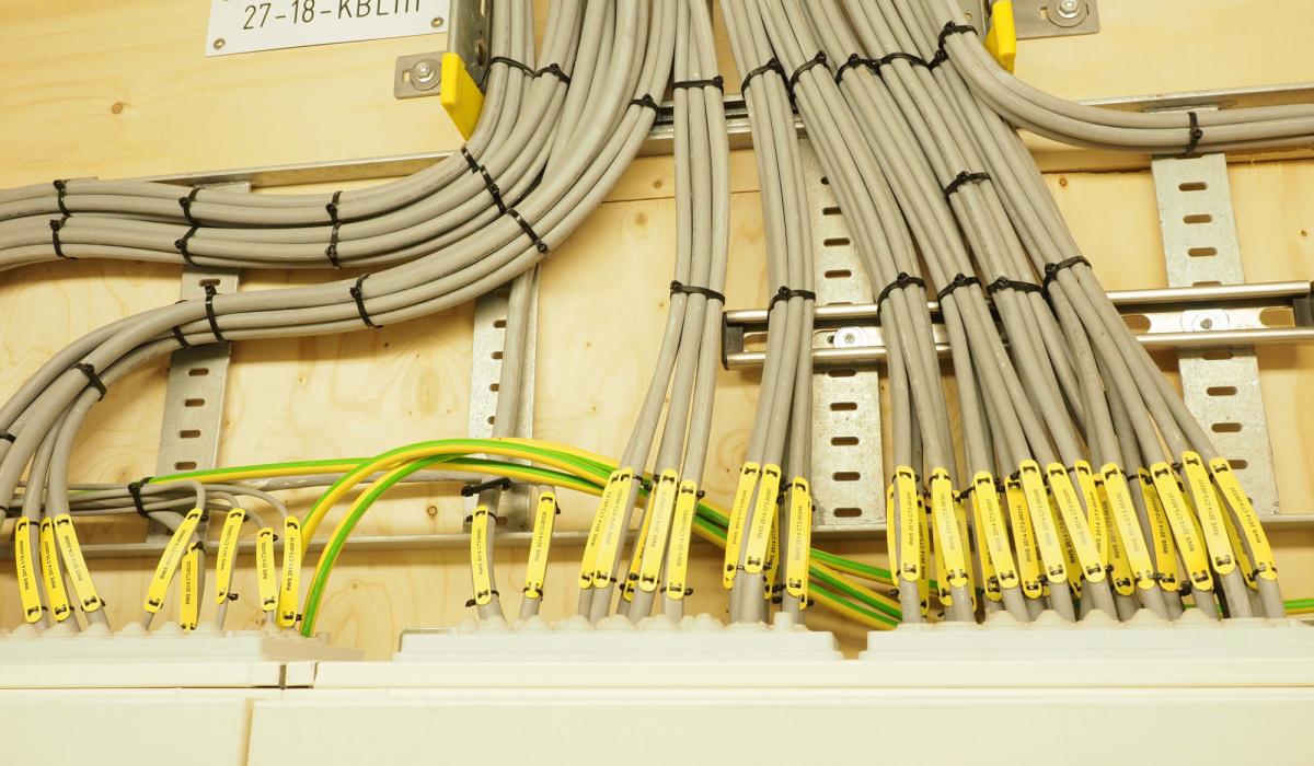Elke kabel werd voorzien van een code.