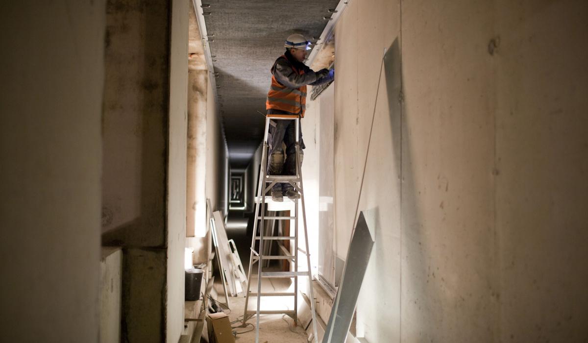 Afbouwwerkzaamheden in het middentunnelkanaal. © Bert Janssen