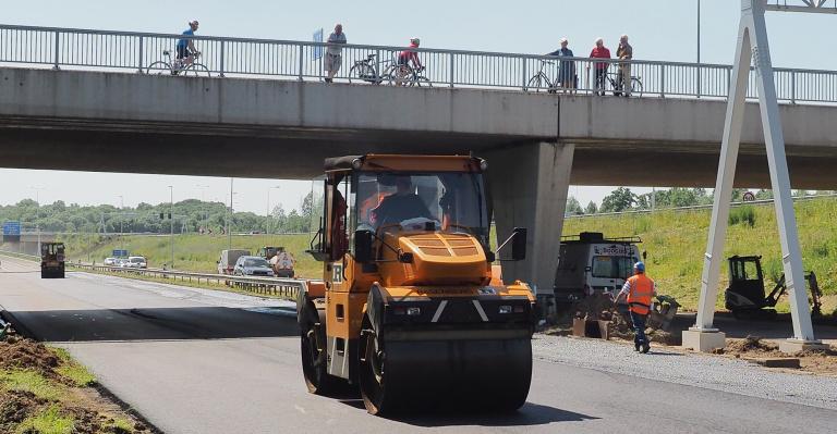 Fietsbrug Ambyerweg Reen van Beek (1).jpg