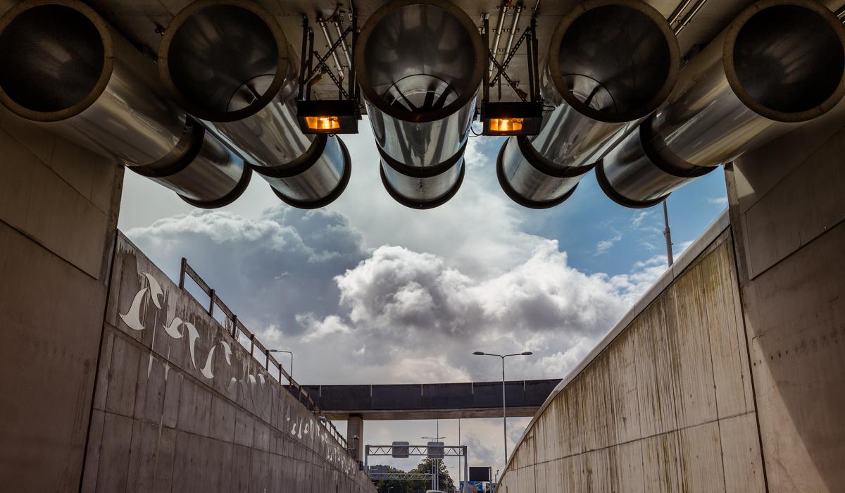 Ventilatoren bij de tunnelingang. © Fred Berghmans