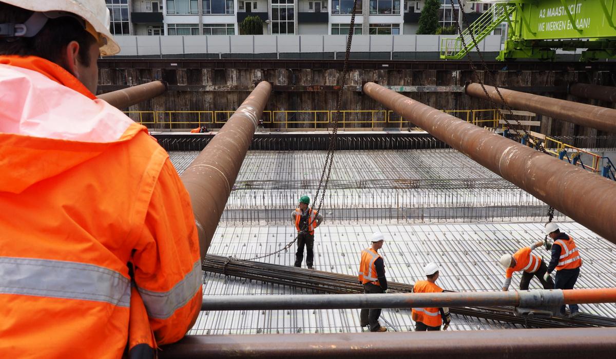 In de tunnelbouwkuip was een strakke planning een vereiste voor de veiligheid. © Reen van Beek
