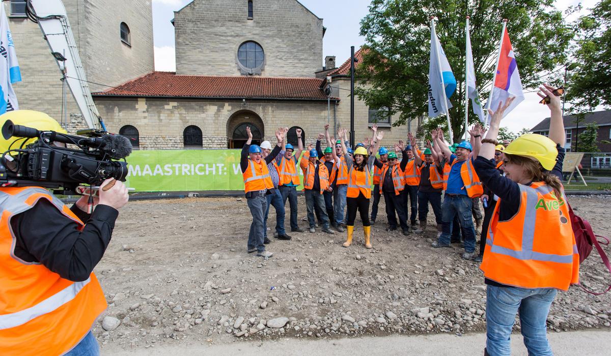 Team Grondverzet neemt afscheid van A2 Actueel. © Robert Lambrix