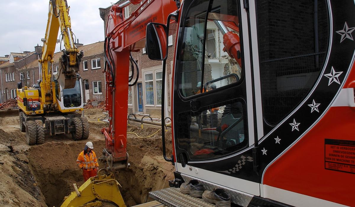 De Burgemeester Bauduinstraat kreeg een heel nieuw riool. © Reen van Beek