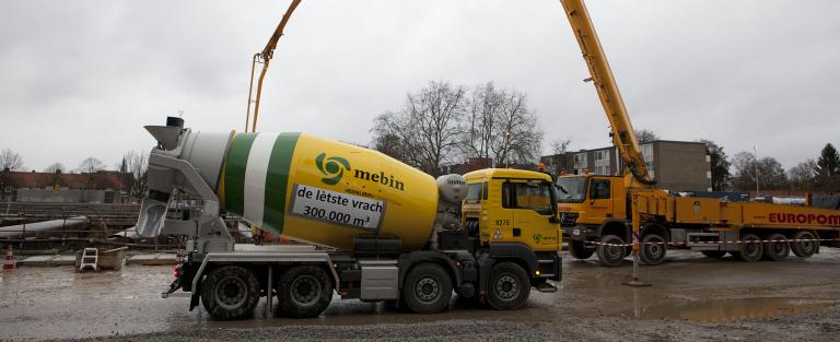 Foto moet erbij - laatste betonmixer voor ruwbouw tunnel - - foto Bert Janssen.jpg