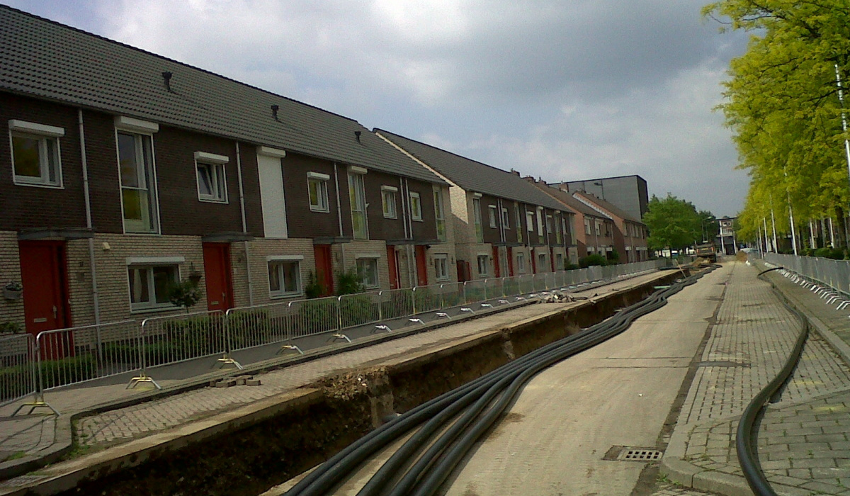 Kabels en leidingen bij de Professor Kernstraat. © Reen van Beek