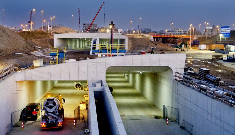 Kunstwerken KWA-tunnel - Tunnelmonden Eurplein - Peter Wijnands.jpg