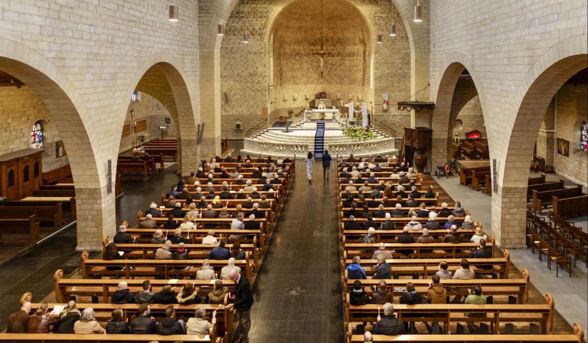 Bijeenkomst in de Lourdeskerk. © Fred Berghmans