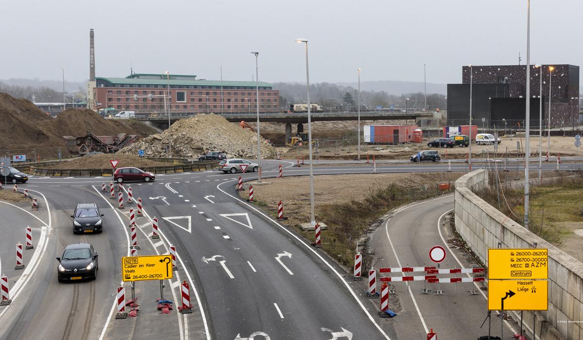 Tijdelijke rotonde bij Europaplein. © Fred Berghmans